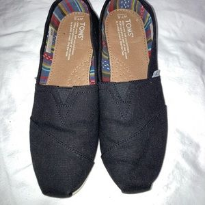 toms shoes sz 7.5 women almost brand new